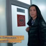 Лешковцева проводит экскурсию по раздевалке